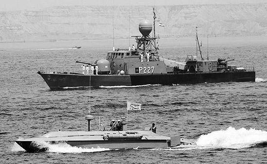 """伊朗积极准备""""海上游击战"""""""