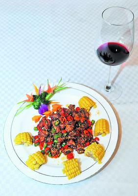 东安鸡呷红酒