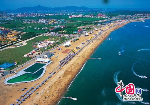 中国首次举办海滨露营大连金石滩体验户外激情