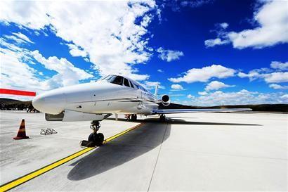 """""""校飞""""是新建机场通航的重要条件和首要环节."""