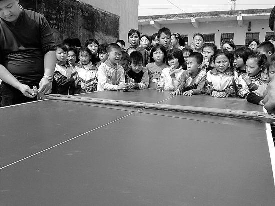 动走进邯郸县、武安市、永年县4所学校,为这里的孩子们送去各式各图片