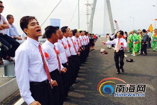 Yangpu Bridge will open to traffic the site add to the fun spontaneous Danzhou China