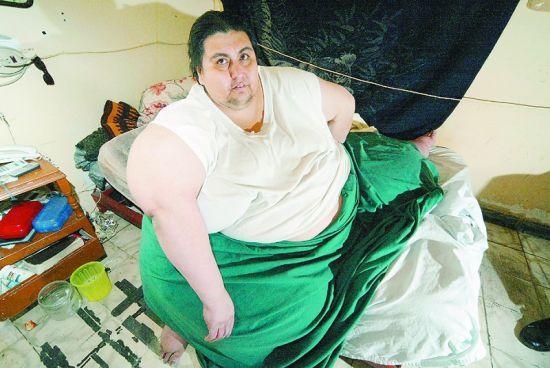 """""""世界第一胖""""48岁去世"""
