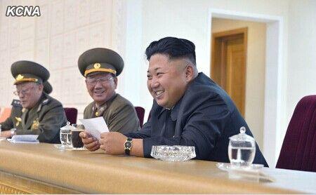 观看37_金正恩观看朝鲜男排比赛 强调占据体育强国地位