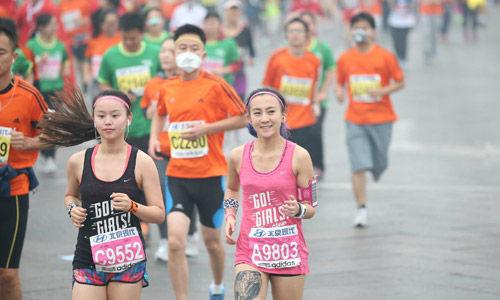 10.19参加北京马拉松的选手