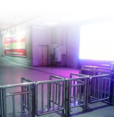 南京火车站出站口。网友供图