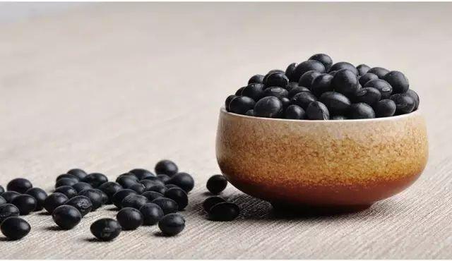 常吃黑豆配枸杞 有助补肾强身