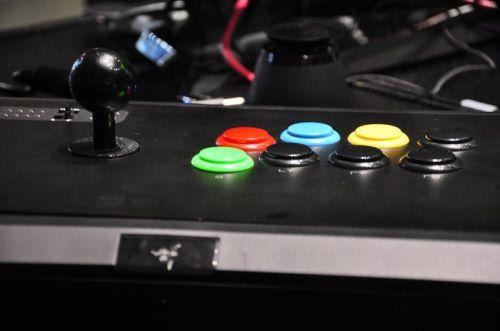 TGS2011雷蛇XBOX游戏摇杆原型机曝光