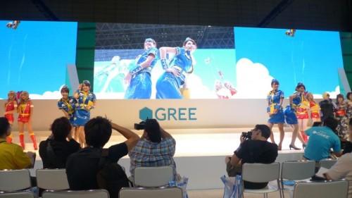 大部分展台都有坐席,让玩家舒服地观看活动