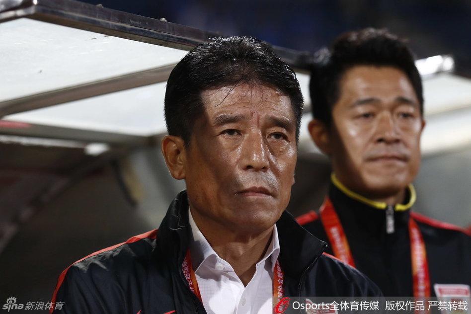 李章洙:我们踢出一场伟大的比赛 不到最后不放弃