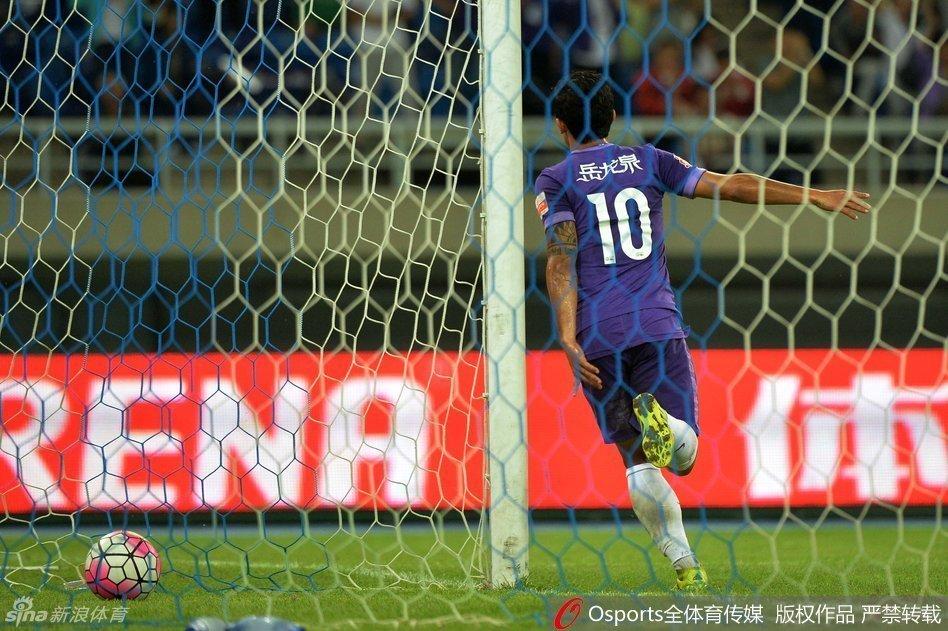 中超-蒙特罗双响亚泰3中门柱 保级战泰达4-0亚泰