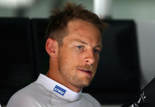 图文-F1马来西亚站排位赛 迈凯轮车队巴顿