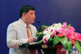 图:中国服装协会冯德虎致辞