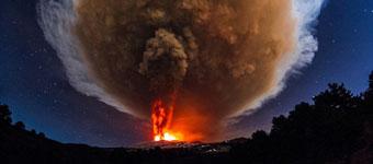 西西里岛活火山喷发照亮天际:已活跃上千年