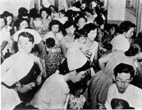 上世纪50年代日本百余婴儿死于毒奶粉