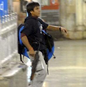 印度最新电视录像披露2名恐怖分子模样(图)