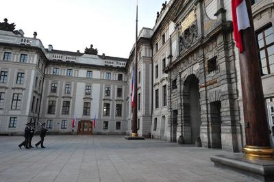 捷克总统总理决意参加波兰总统葬礼