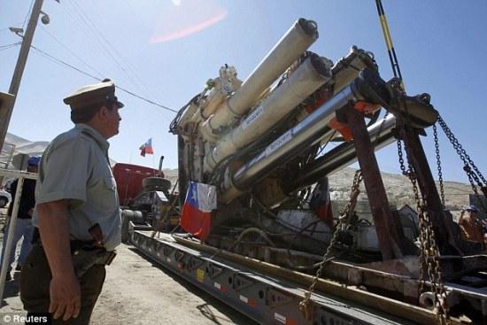 智利矿难救援期过长将向被困矿工输送抗抑郁药