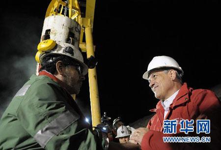 智利总统支持率较矿难前上升近两成