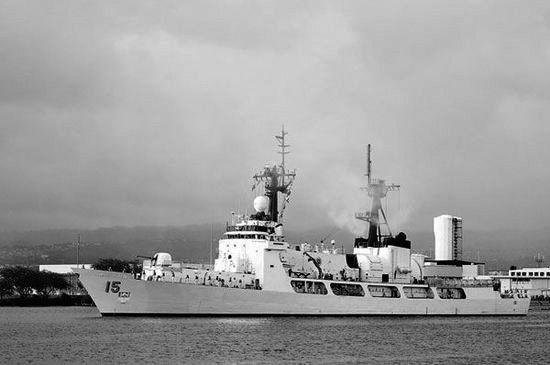 """""""德尔毕拉尔""""号舰长378英尺,排水量3390吨,是一艘从美国海岸警卫队退役的巡逻舰。"""