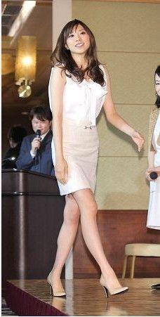 日本电视台美女主播山岸舞彩