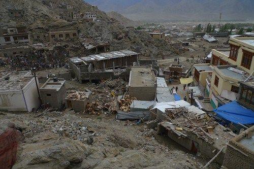 印控克什米尔地区_遭遇暴雨袭击后的印控克什米尔地区