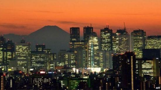 日本电梯为应对地震拟配饮用水和马桶