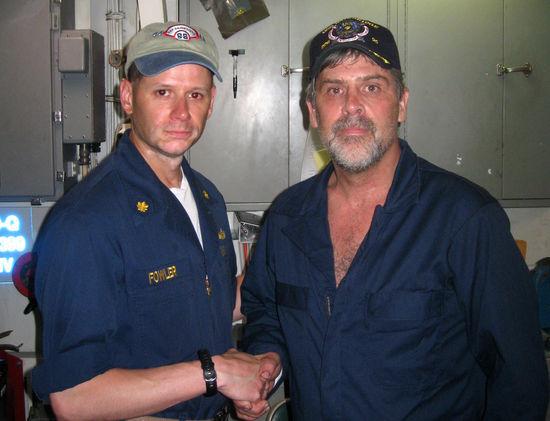 美军特种兵击毙索马里海盗救出被俘美国船长