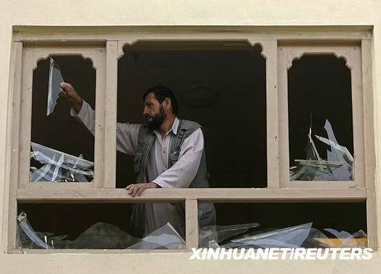 塔利班向阿富汗首都发射11枚火箭弹(图)
