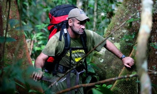 斯塔福德在穿越亚马孙过程中,还要翻越高山,穿越丛林.图片