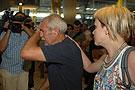 家属抵达西班牙马德里机场