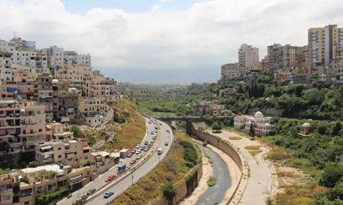 黎巴嫩山地上的居民楼