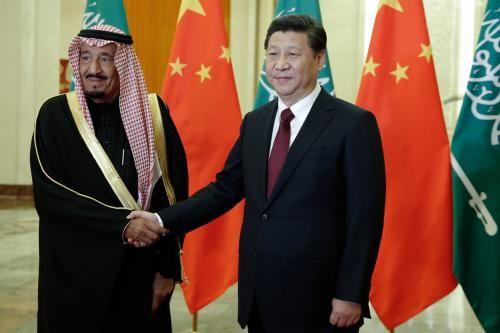 2014年3月13日,习近平会见时任沙特王储兼副首相、国防大臣的萨勒曼