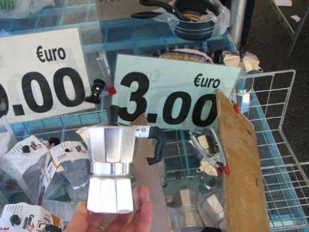 3欧元一个的咖啡壶-北京的商场里有卖,价格差不多是300块.