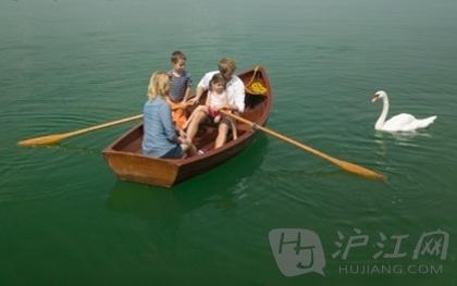 去泛舟划艇