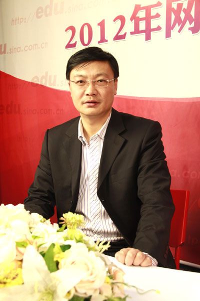 哈尔滨工业大学招生办主任曲铁军博士做客新浪