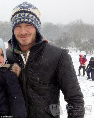 贝克汉姆伦敦滑雪 与儿子们一起享受父子时光