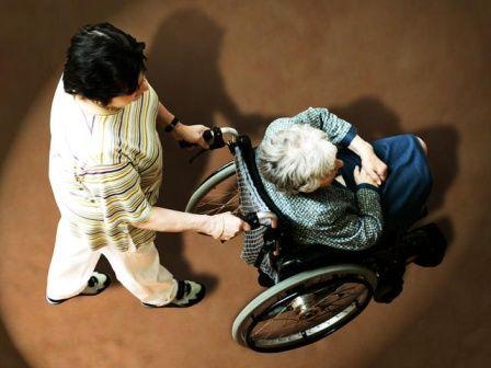 国内父母养老问题难倒新移民
