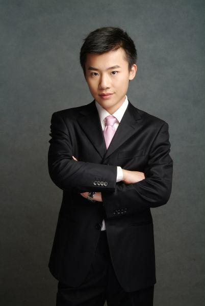 2013北京高招大型直播咨询主持人:姚迪