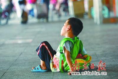 问题家庭不一定会有问题孩子,但问题孩子背后一定有一个问题家庭。 苏仕日 摄
