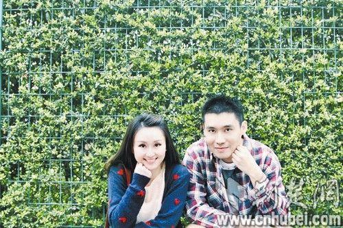 图为:黄硕与杨俊杰的爱情微电影剧照