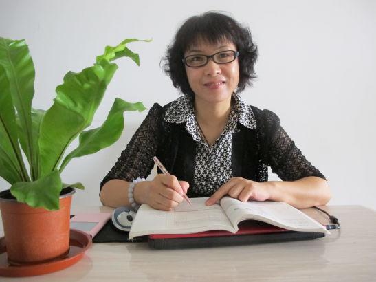 张勃,北京市房山区良乡第二中学数学老师,曾获全国模范教师称号。