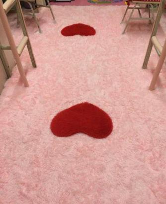4名大一新生打造粉红城堡寝室
