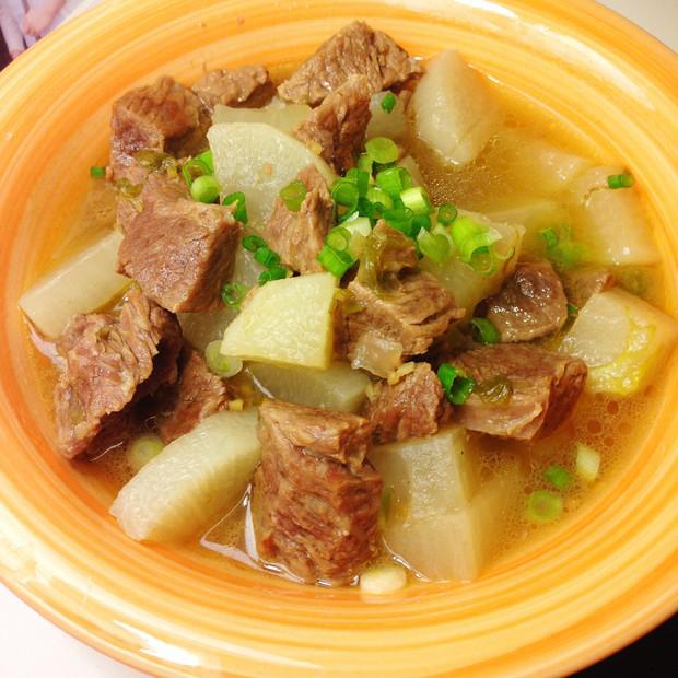 第三天晚餐:牛肉炖萝卜