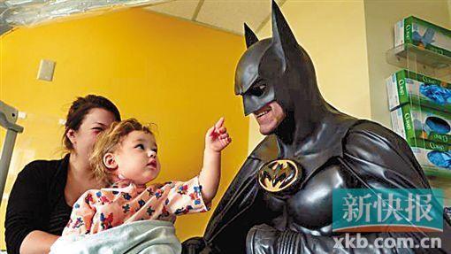 """美国孩子最爱的""""蝙蝠侠""""叔叔走了"""