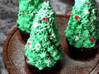 烘托圣诞气氛圣诞树蛋糕