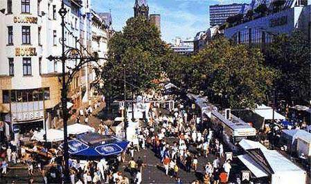 全球十大著名步行街:首尔明洞大街等