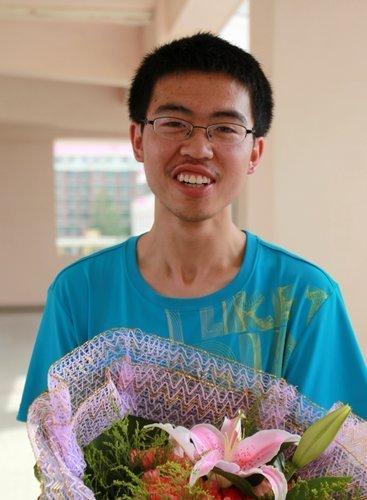 银川一中冯锐以总分680分获得宁夏高考理科第一名。