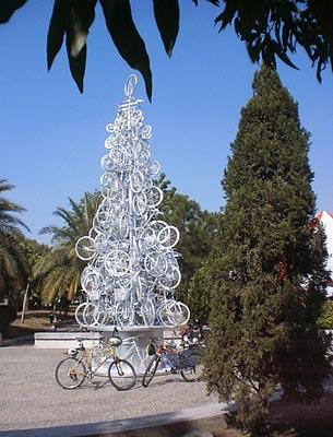 15种非主流圣诞树:自行车和篱笆(组图)