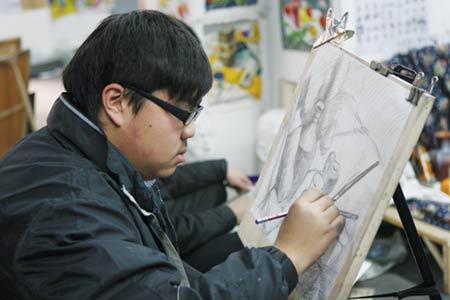 """美术考生特写:美术就是一种""""技术""""(图)"""